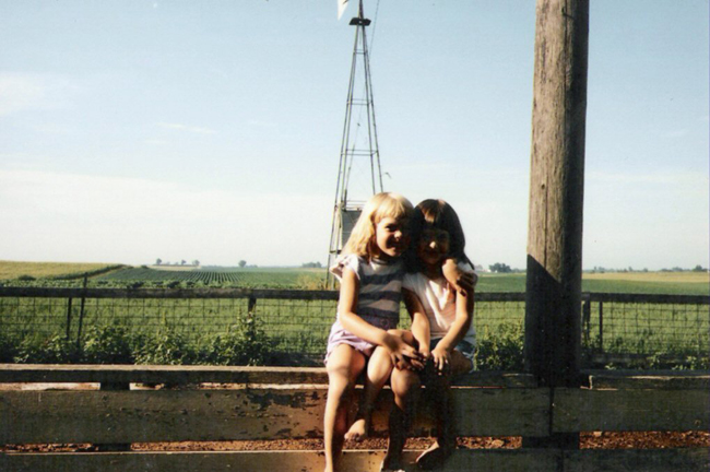 jen and christy at the farm