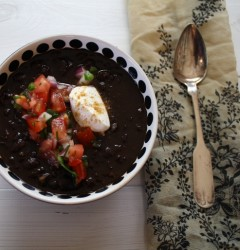 black bean chili with pico de gallo