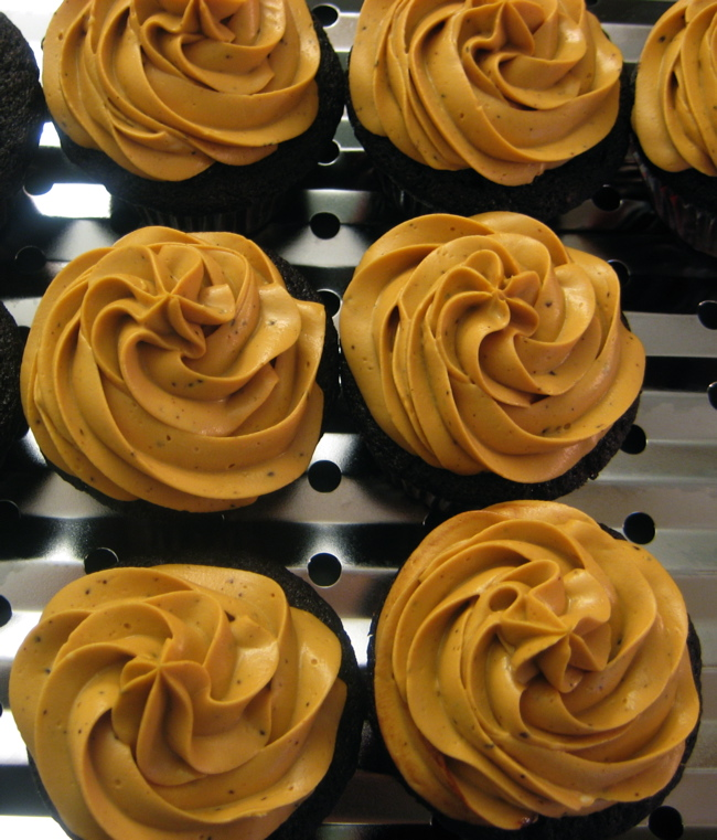 ... stout cupcakes w/dulce de leche frosting « eat your vegetable