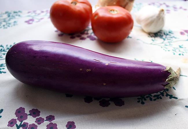 eggplant, tomatoes, and garlic