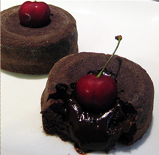 oozing molten chocolate cakes